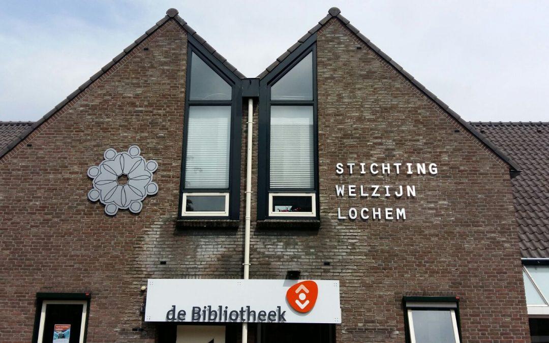 Nieuwe logo op de gevel kantoor Lochem